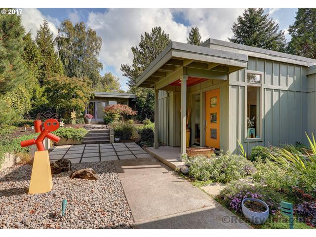 5500 SW Ames Way, Portland, OR 97225 (MLS #17306414) :: The Pacific Group