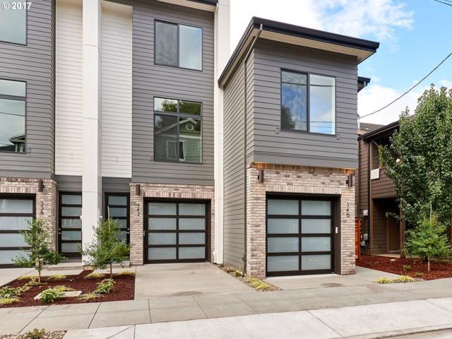 318 N Ivy St, Portland, OR 97227 (MLS #17317087) :: The Reger Group at Keller Williams Realty