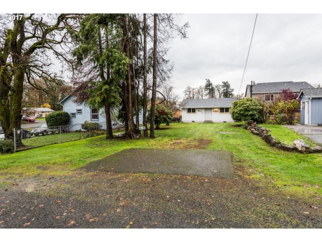 415 N 12TH St, St. Helens, OR 97051 (MLS #17321378) :: Next Home Realty Connection