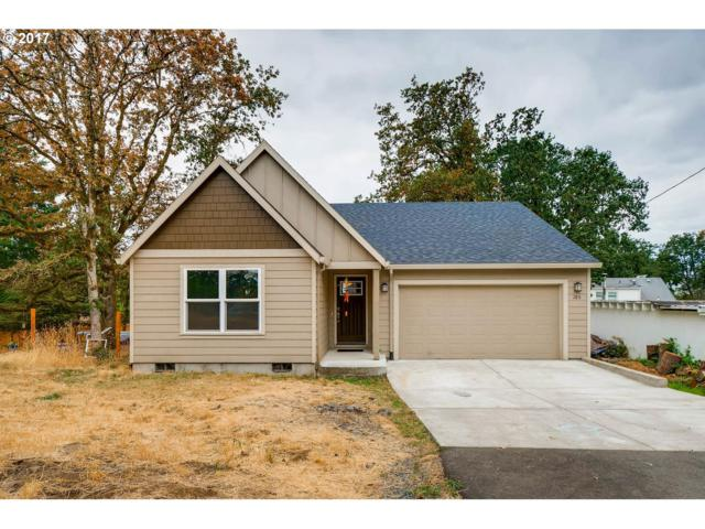185 S 6TH St, St. Helens, OR 97051 (MLS #17321751) :: Premiere Property Group LLC