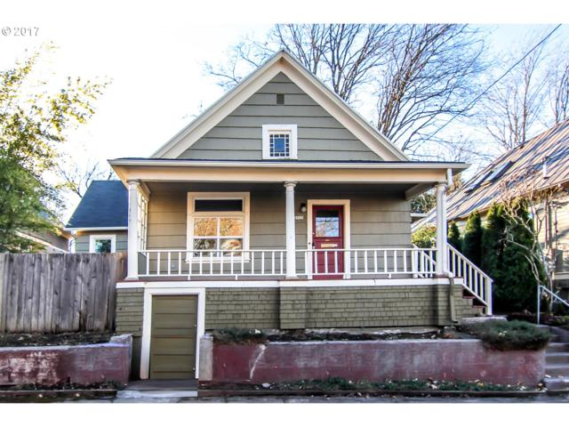 2922 SE Salmon St, Portland, OR 97214 (MLS #17333085) :: Next Home Realty Connection