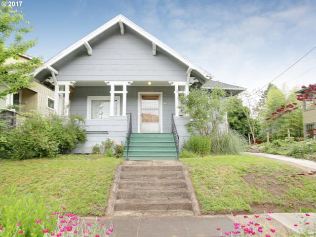 2604 SE 32ND Ave, Portland, OR 97202 (MLS #17341539) :: TLK Group Properties