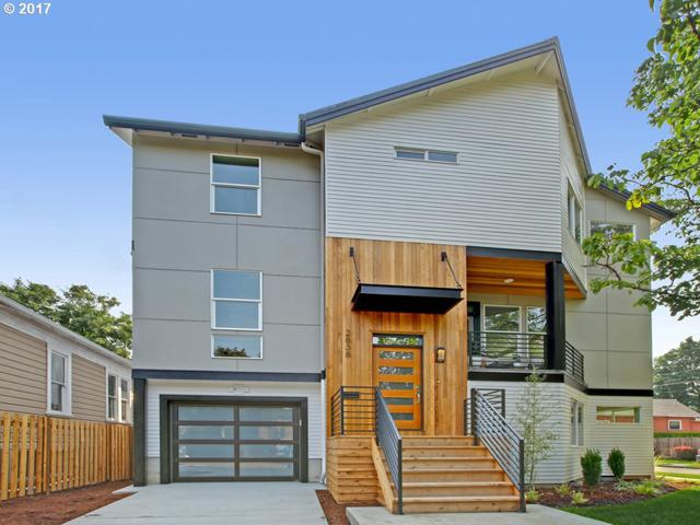 2838 SE 20TH Ave, Portland, OR 97202 (MLS #17347870) :: Hatch Homes Group