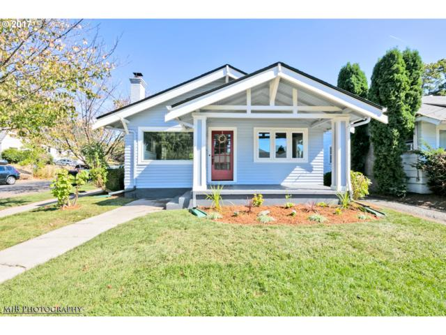 2204 SE 26TH Ave, Portland, OR 97214 (MLS #17403922) :: Craig Reger Group at Keller Williams Realty