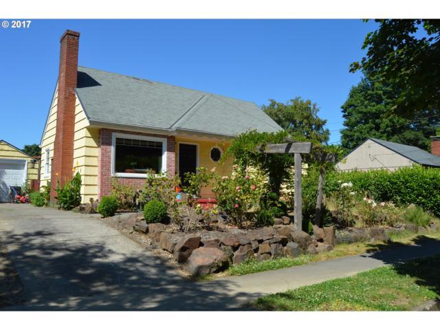 3561 SE Long St, Portland, OR 97202 (MLS #17407997) :: Hatch Homes Group