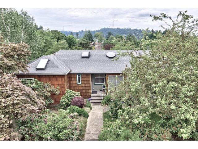 2021 SW Custer St, Portland, OR 97219 (MLS #17455471) :: Hatch Homes Group