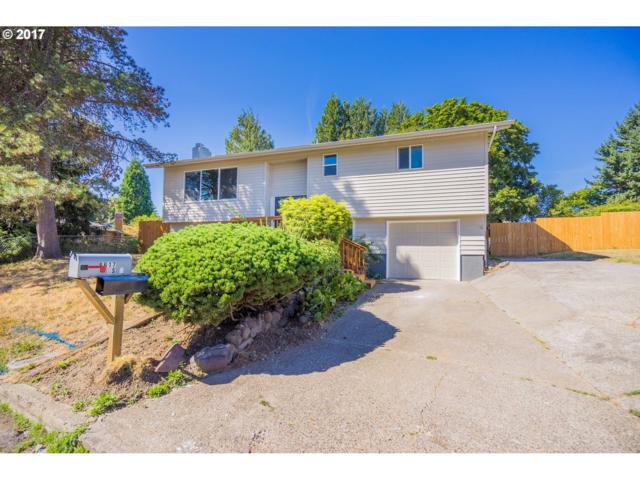 6617 SE Apple St, Milwaukie, OR 97222 (MLS #17503238) :: Fox Real Estate Group