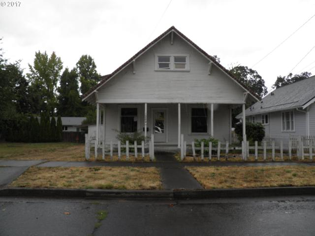 1242 E Jefferson Ave, Cottage Grove, OR 97424 (MLS #17530163) :: Craig Reger Group at Keller Williams Realty