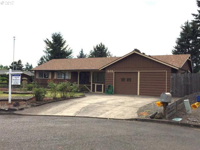 1205 Elm Ln, Newberg, OR 97132 (MLS #17530472) :: Stellar Realty Northwest
