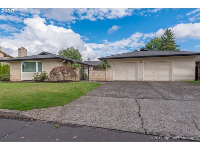 5216 SE 32ND Ave, Portland, OR 97202 (MLS #17537357) :: Hatch Homes Group