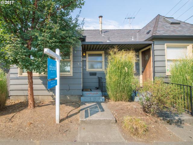 2831 SE Hawthorne Blvd, Portland, OR 97214 (MLS #17551221) :: Craig Reger Group at Keller Williams Realty