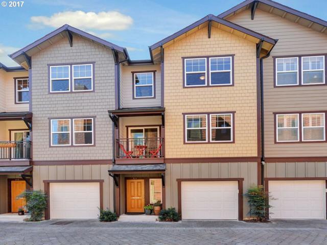 711 SE 33RD Pl, Portland, OR 97214 (MLS #17565858) :: Hatch Homes Group
