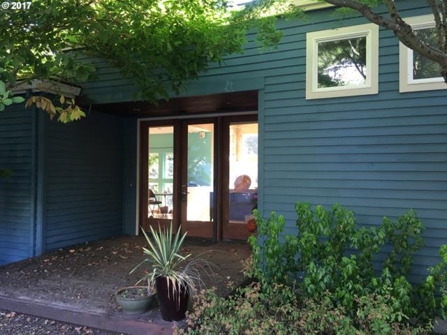 233 SW Clara Mae Way, Portland, OR 97219 (MLS #17579923) :: Song Real Estate
