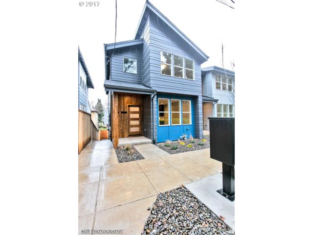 2422 SE Morrison St, Portland, OR 97214 (MLS #17588955) :: Next Home Realty Connection