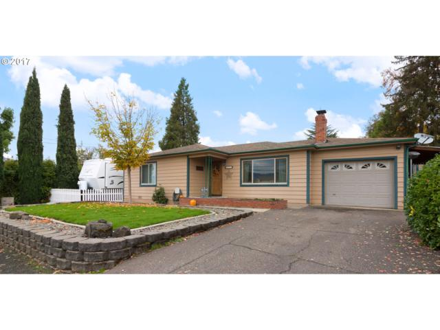 1622 NW Almond Ave, Roseburg, OR 97471 (MLS #17602197) :: The Dale Chumbley Group