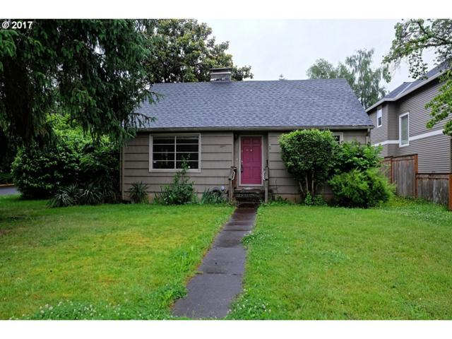804 4TH St, Lake Oswego, OR 97034 (MLS #17634313) :: Fox Real Estate Group