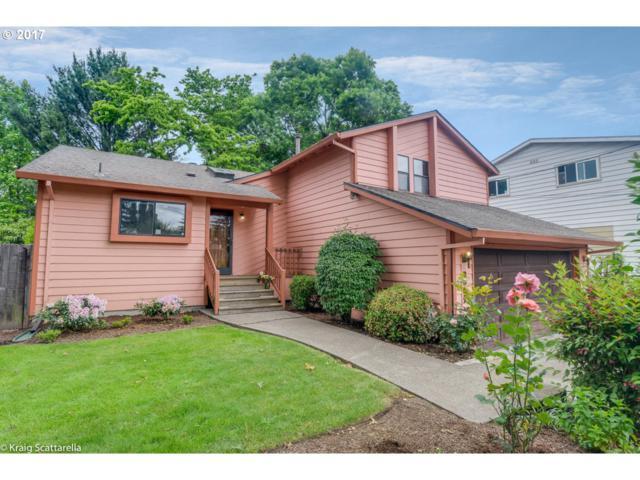 2027 SE Lexington St, Portland, OR 97202 (MLS #17641205) :: Hatch Homes Group