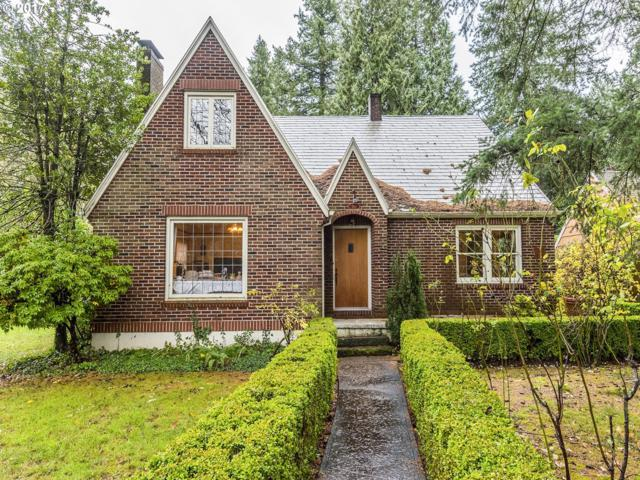 910 A Ave, Lake Oswego, OR 97034 (MLS #17652592) :: TLK Group Properties