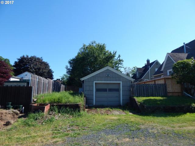 NE Skidmore St, Portland, OR 97218 (MLS #17654125) :: Fox Real Estate Group