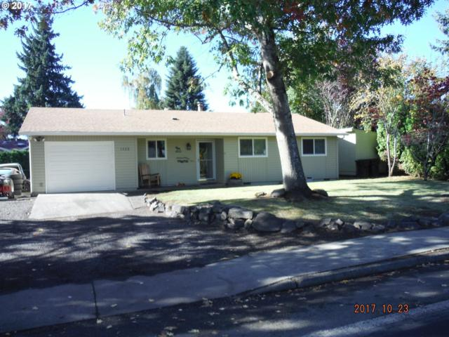 1325 N Ivy St, Canby, OR 97013 (MLS #17663356) :: Fox Real Estate Group