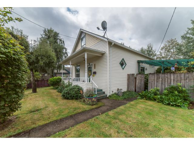 827 S 6TH St, Cottage Grove, OR 97424 (MLS #17673975) :: Craig Reger Group at Keller Williams Realty