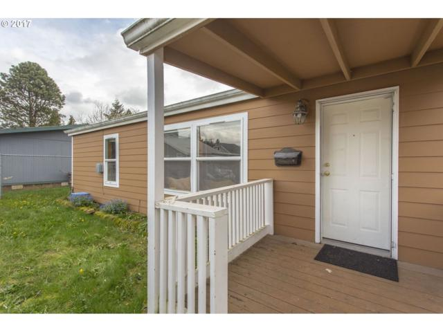 6825 SE 47TH Ave, Portland, OR 97206 (MLS #17674680) :: Hatch Homes Group