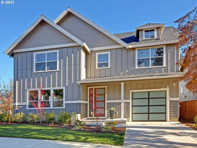 7208 SW 28TH Ave, Portland, OR 97219 (MLS #17681626) :: Hatch Homes Group