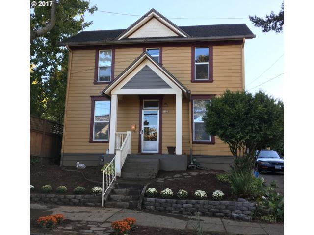 5622 SE Oak St, Portland, OR 97215 (MLS #17690385) :: Hatch Homes Group