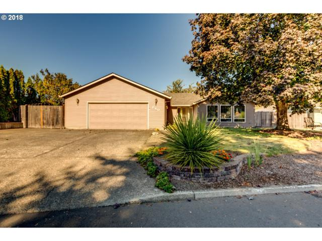 640 NW 8TH Pl, Canby, OR 97013 (MLS #18000318) :: Hatch Homes Group