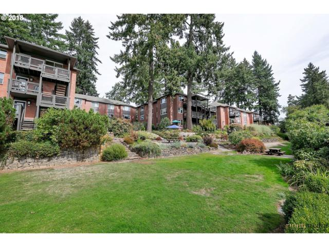 204 Ridgeway Rd #204, Lake Oswego, OR 97034 (MLS #18006900) :: McKillion Real Estate Group