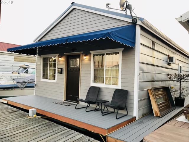 3157 NE Marine Dr Sl 16, Portland, OR 97035 (MLS #18015069) :: Hatch Homes Group