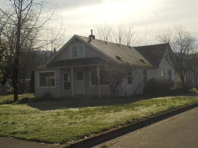 1107 E Jefferson Ave, Cottage Grove, OR 97424 (MLS #18021368) :: R&R Properties of Eugene LLC