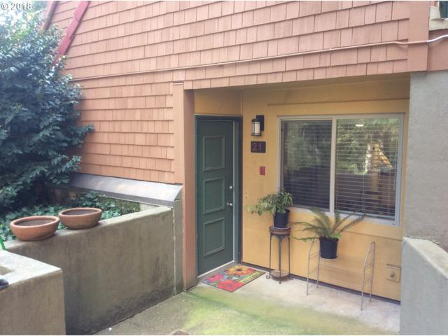 21 Oswego Smt, Lake Oswego, OR 97035 (MLS #18027003) :: Beltran Properties at Keller Williams Portland Premiere