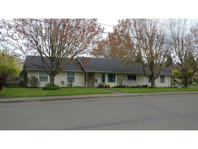 2842 NE Newby St, Mcminnville, OR 97128 (MLS #18028213) :: The Dale Chumbley Group