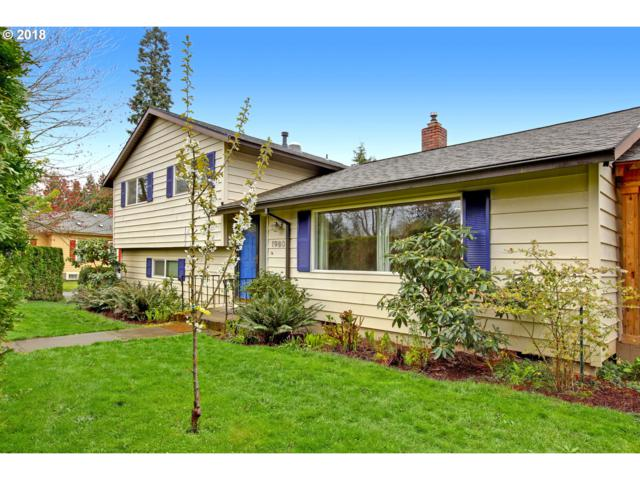 1980 SE Bluebird St, Milwaukie, OR 97222 (MLS #18030028) :: Matin Real Estate