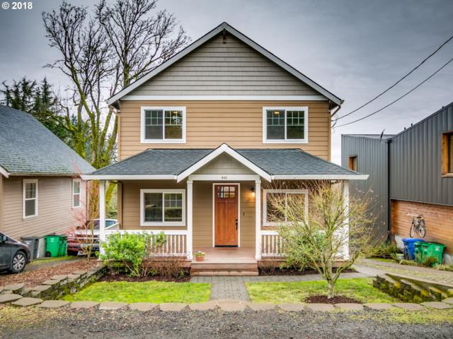 448 SW Primrose St, Portland, OR 97219 (MLS #18031297) :: Next Home Realty Connection