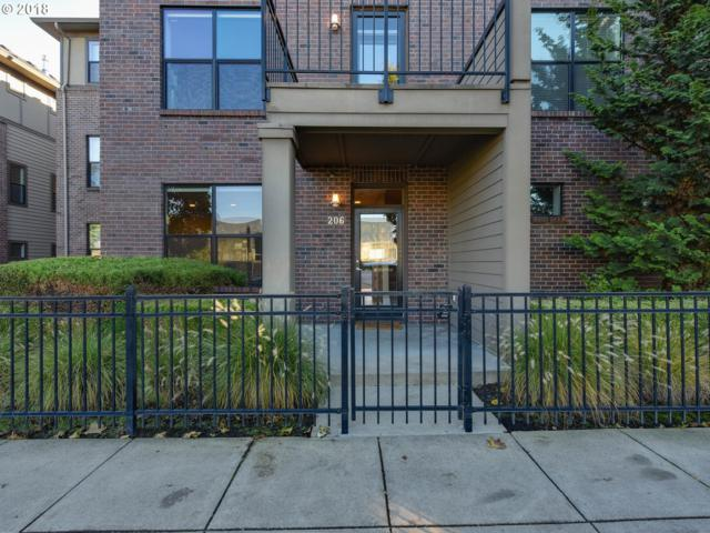 1420 NW 20TH Ave #206, Portland, OR 97209 (MLS #18031689) :: R&R Properties of Eugene LLC