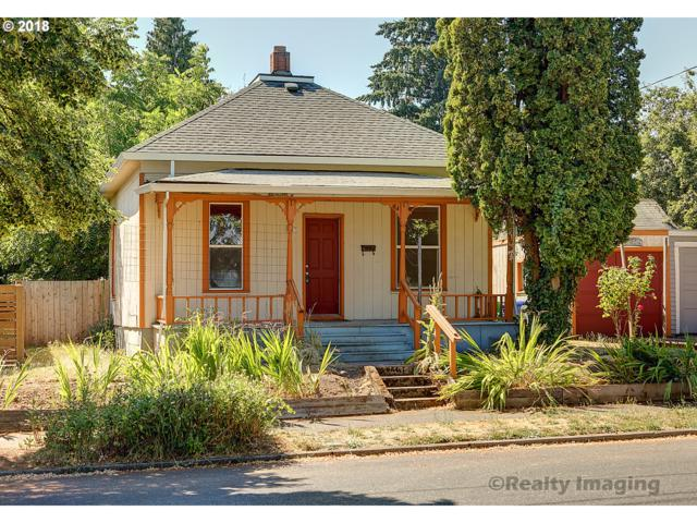 8427 SE 15TH Ave, Portland, OR 97202 (MLS #18033870) :: Cano Real Estate