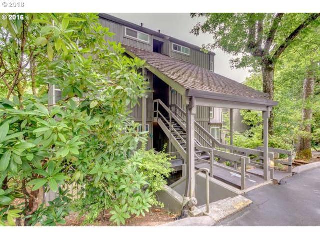 100 Kerr Pkwy #11, Lake Oswego, OR 97035 (MLS #18035714) :: The Sadle Home Selling Team