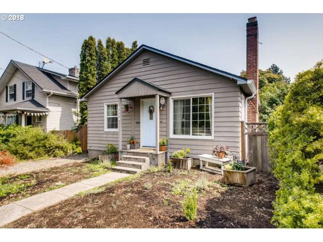 5324 NE 25TH Ave, Portland, OR 97211 (MLS #18036185) :: The Sadle Home Selling Team