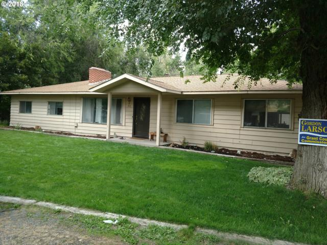 915 E Main St, John Day, OR 97845 (MLS #18038399) :: The Dale Chumbley Group