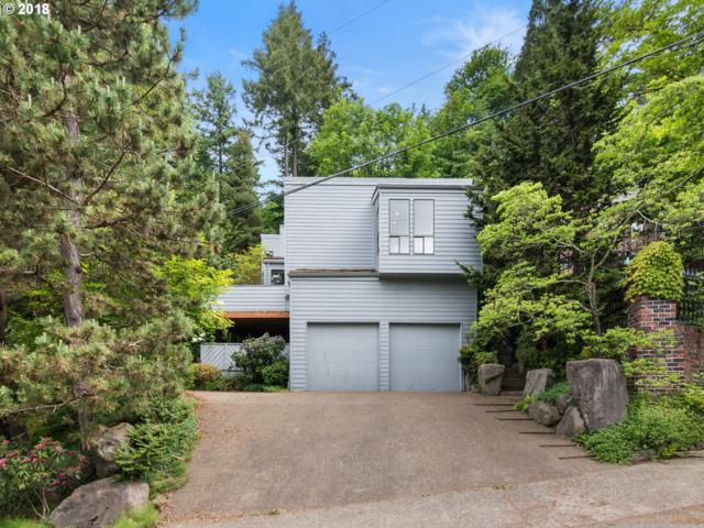 4202 SW Melville Ave, Portland, OR 97239 (MLS #18049082) :: Portland Lifestyle Team
