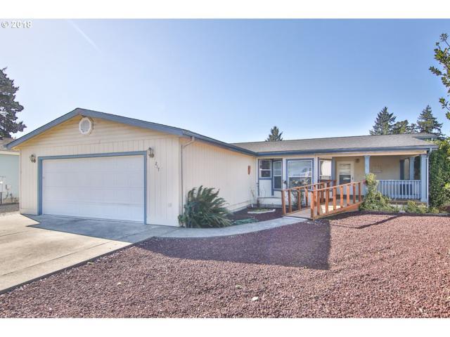 217 Lakeland Dr, Lakeside, OR 97449 (MLS #18049858) :: The Sadle Home Selling Team