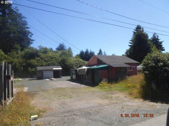 535 Robinhood Ave, Lakeside, OR 97449 (MLS #18051498) :: Cano Real Estate
