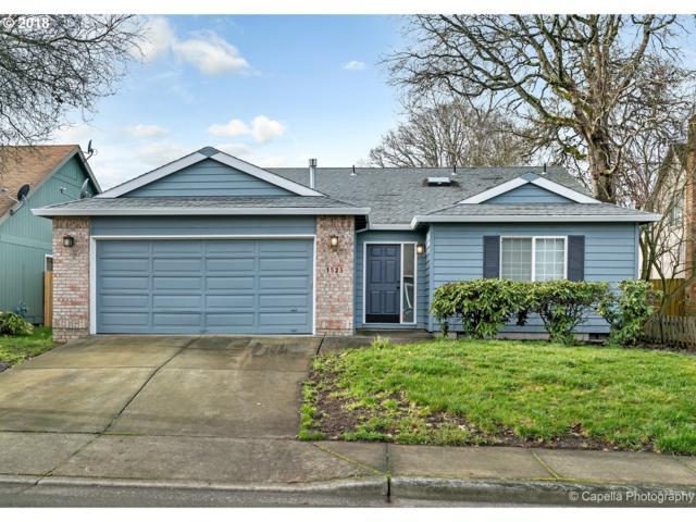 1525 SW 211TH Ave, Beaverton, OR 97003 (MLS #18056766) :: Premiere Property Group LLC