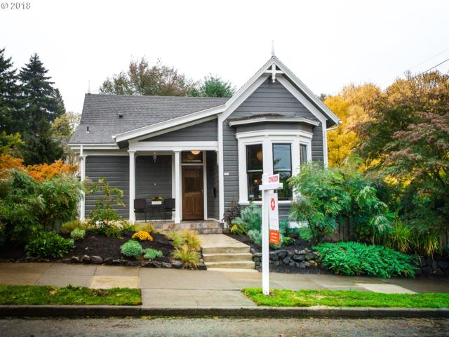 334 SE 18TH Ave, Portland, OR 97214 (MLS #18076372) :: Hatch Homes Group