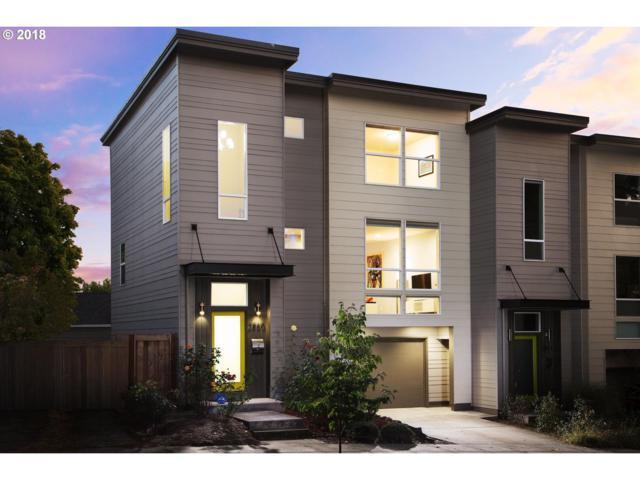 2860 SE Francis St, Portland, OR 97202 (MLS #18082412) :: Stellar Realty Northwest