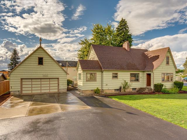 10814 NW Lakeshore Ave, Vancouver, WA 98685 (MLS #18083362) :: The Dale Chumbley Group