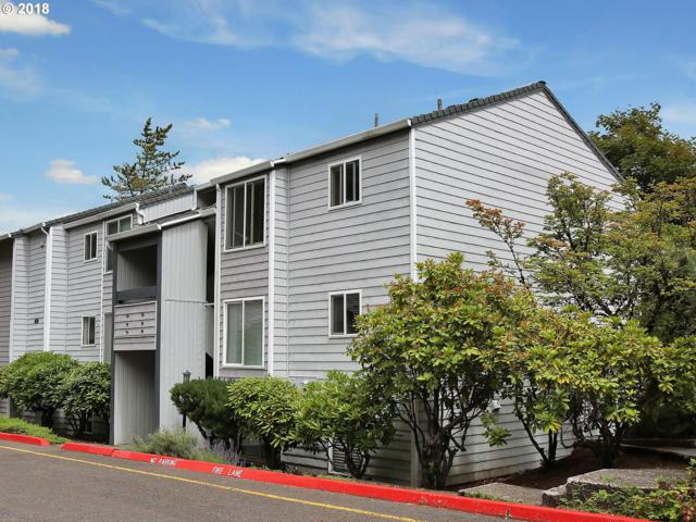 47 Eagle Crest Dr #52, Lake Oswego, OR 97035 (MLS #18083398) :: Hatch Homes Group