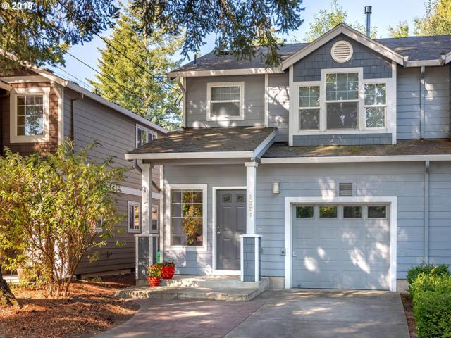 2327 SE 77TH Ave, Portland, OR 97215 (MLS #18084907) :: The Dale Chumbley Group